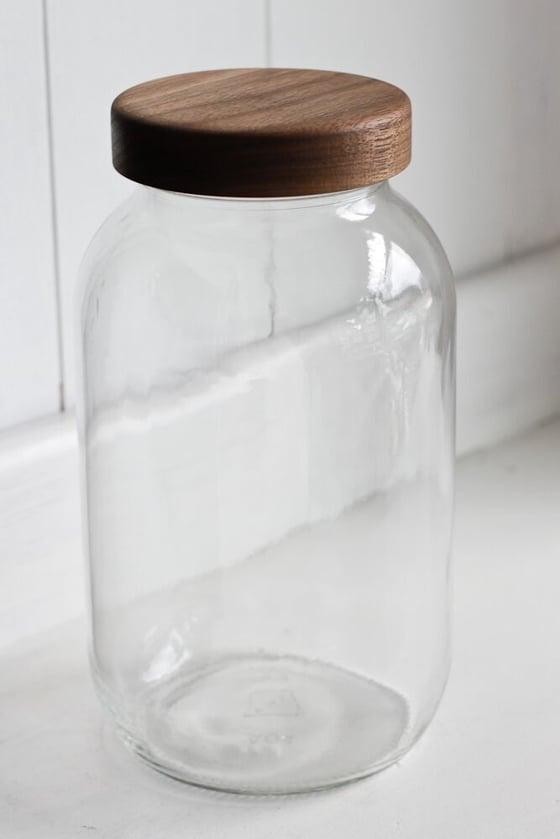 Image of Half Gallon (64 oz.) Mason Jar with Walnut Lid