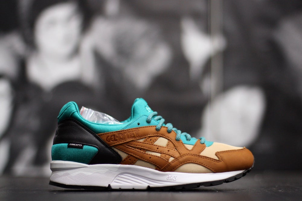 "Image of ASICS GEL LYTE V X CONCEPTS ""MIX & MATCH"" TEAL"
