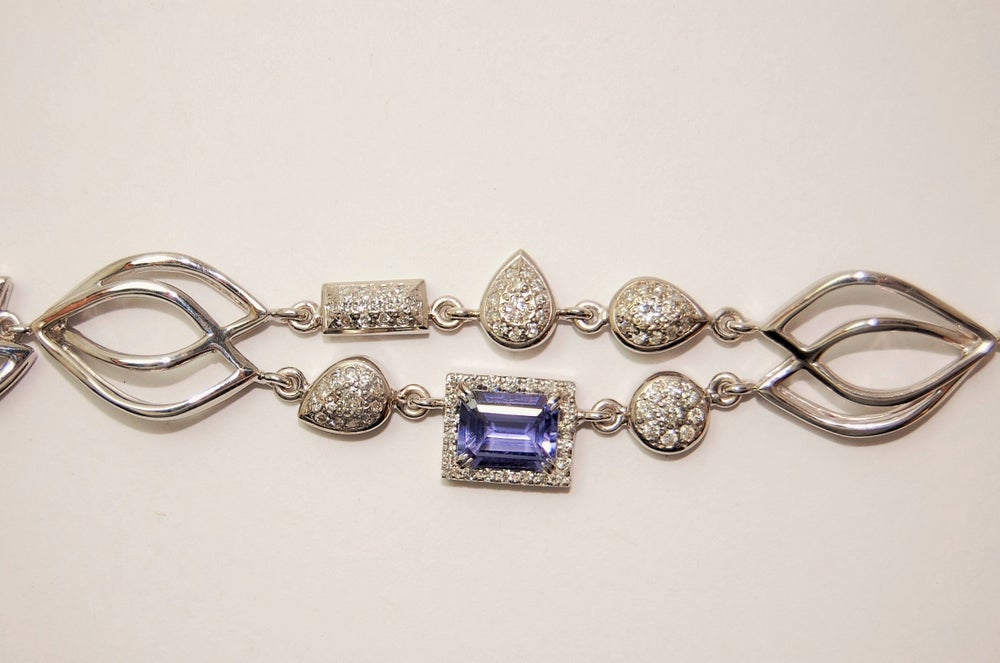 Image of Tratti Diamonds & Iolite bracelet
