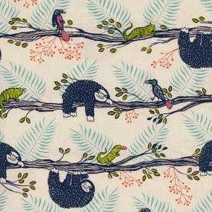 Image of Tela algodón patchwork: Oso perezoso e iguana Cotton and Steel