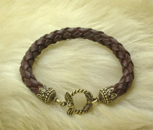 Image of Leather Bracelet with Leaf Lock - FORSALE