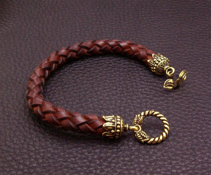 Leather Bracelet with Leaf Lock - FORSALE
