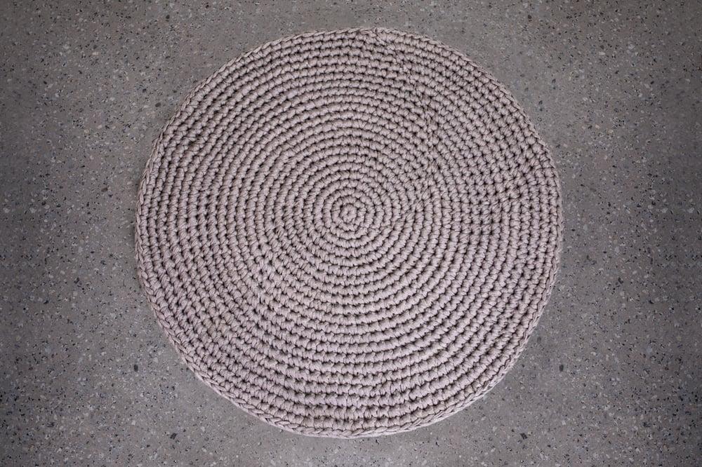 Image of Crochet Rug Grey Brown Fleck