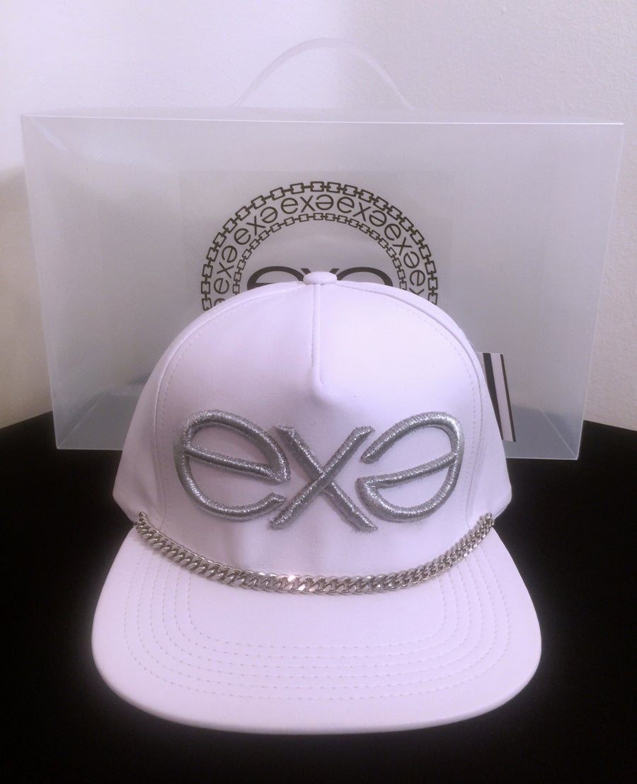 Image of EXPRESSION 06 EVOLUTION - Headwear - White with Silver Chain