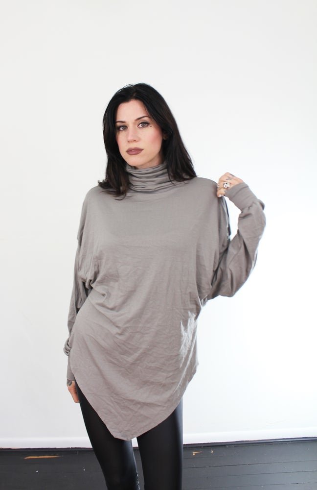 Image of Loose pointy tunic