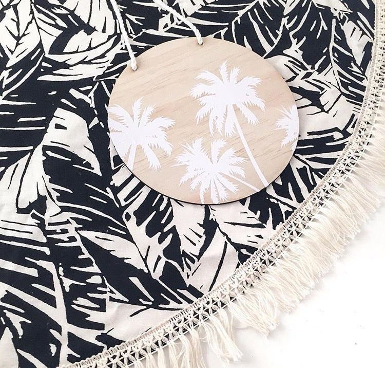 Image of WOOD SUMMER PALM PLAQUE | BLACK OR WHITE
