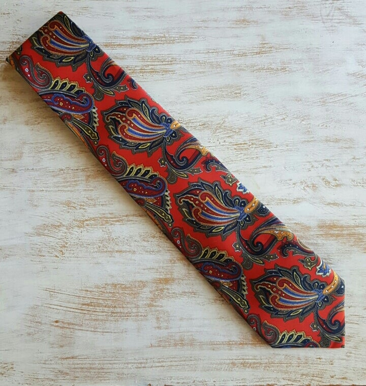 Image of CHINESE DRAGON PAISLEY NECKTIE