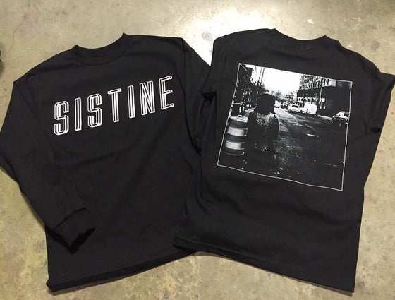 Image of Black/White Longsleeve