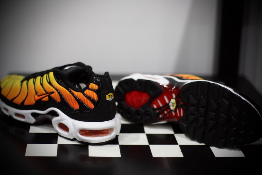 "Image of Nike Air Max Plus TXT ""TIGER YELLOW"" 647315-700"