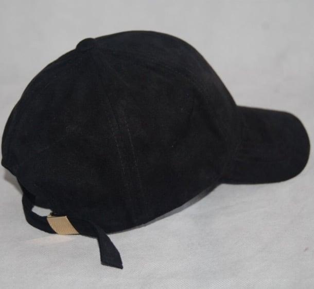 Image of BLACK 6 PANEL CAP / SUEDE