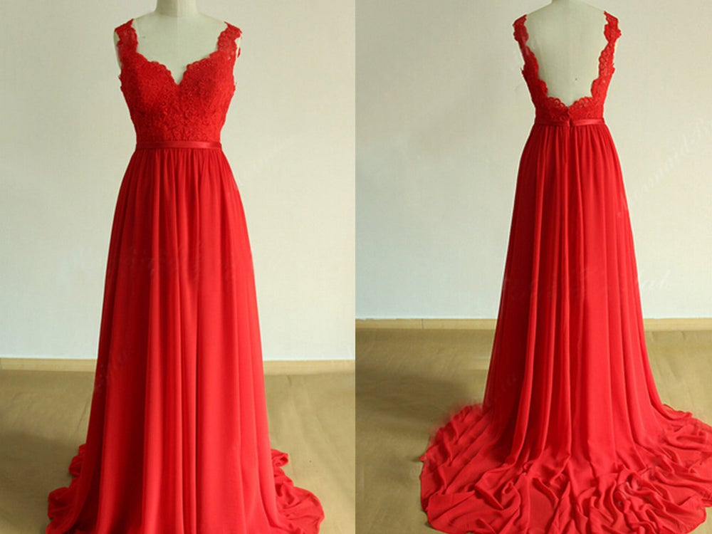 Glam red backless prom gowns with lace applique red dresses