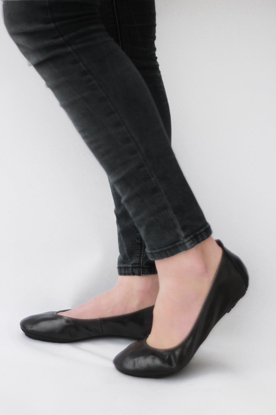 Image of Simply Me foldable ballet flats in Lustrous Black