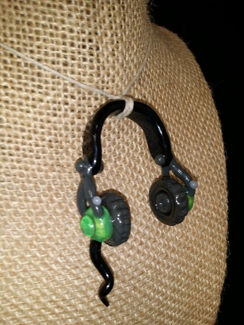 Image of Headyphones pendant / Slyme