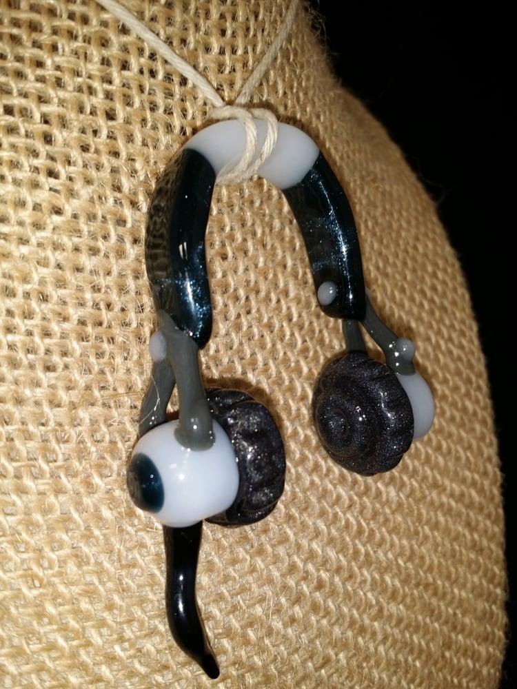 Image of Headyphones pendant / unobtanium