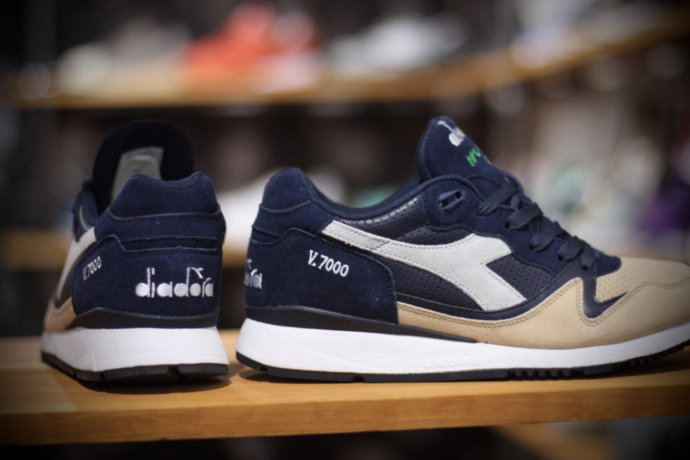 Image of DIADORA V7000 Blue Corsair