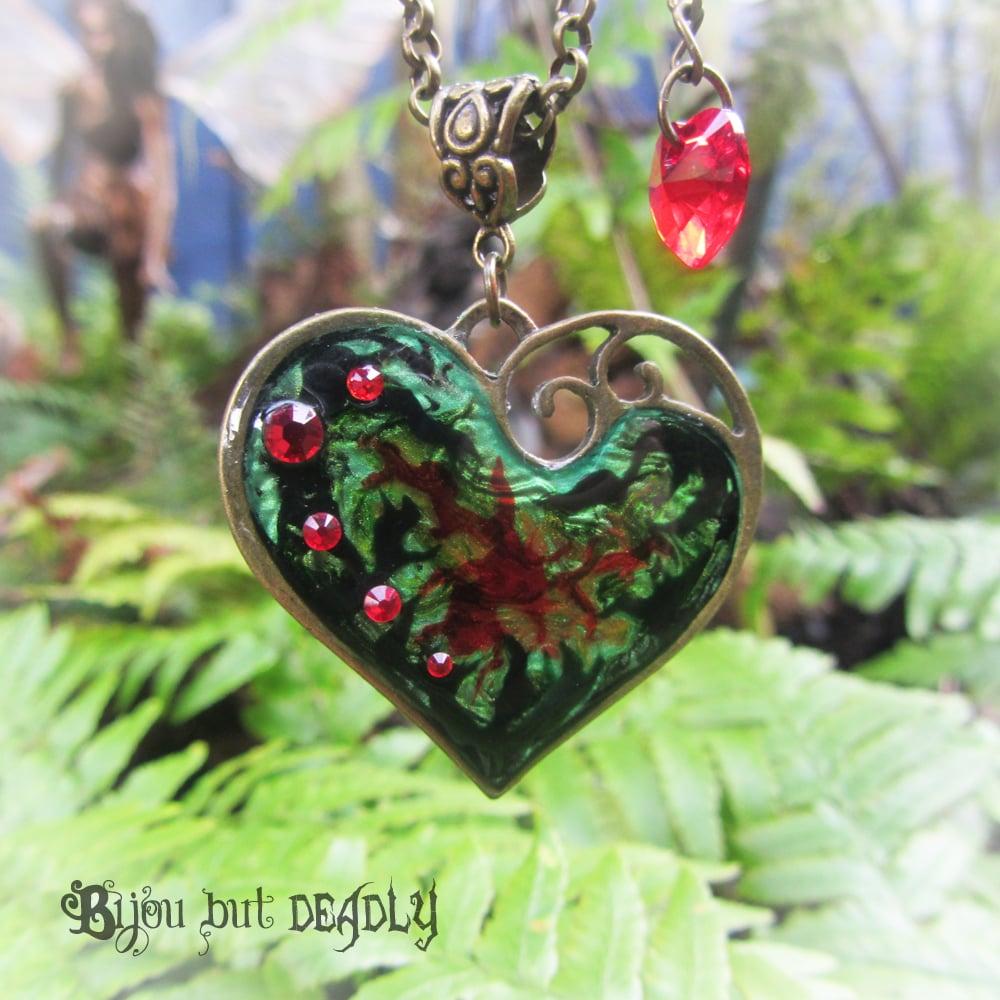 Poison Ivy Lazy Heart Bronze Pendant