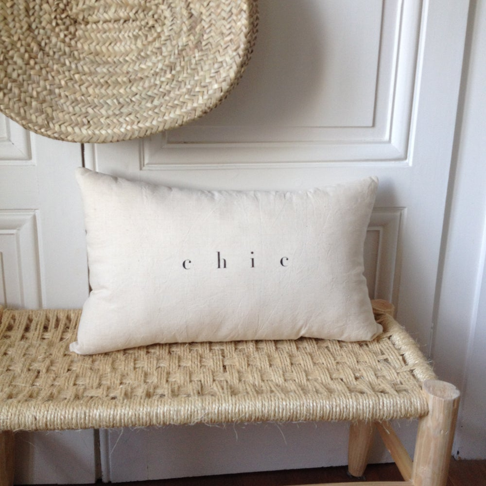 Image of coussin écru chic long