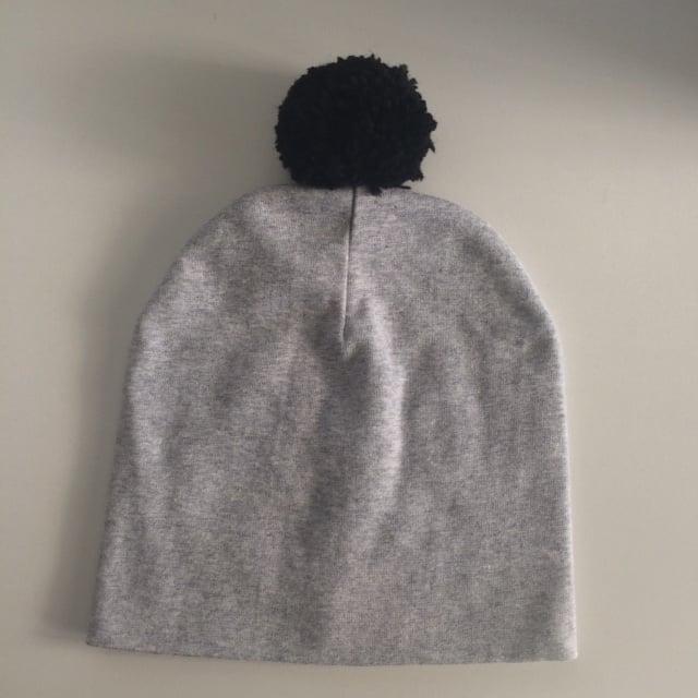 Image of SOFT GREY baby beanie hat with pompom - tuque de bébé GRIS PÂLE à af333ebce66