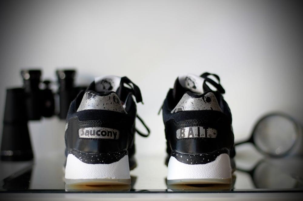 "Image of SAUCONY SHADOW X BAIT 5500 CRUELWORLD 6 ""GIANT LEAPS"""