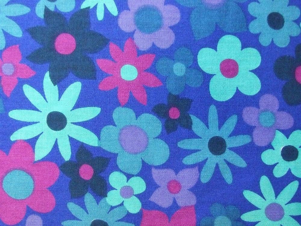 Image of blue floral dekoplus - fat quarter