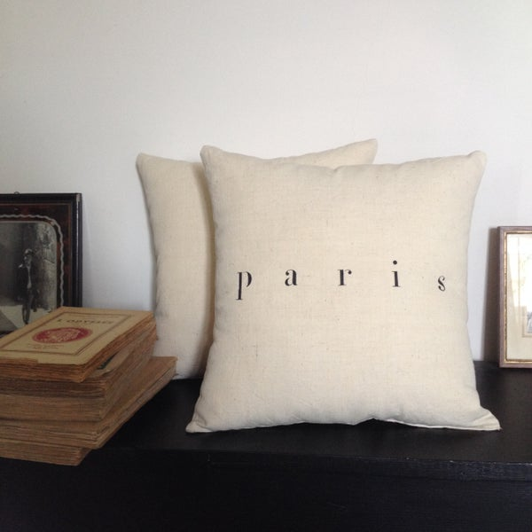 Image of coussin écru PARIS small