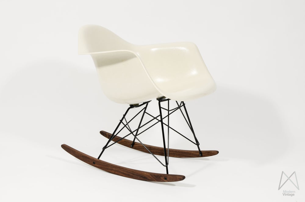 Image of Eames Herman Miller Off white Parchment rocker chair original