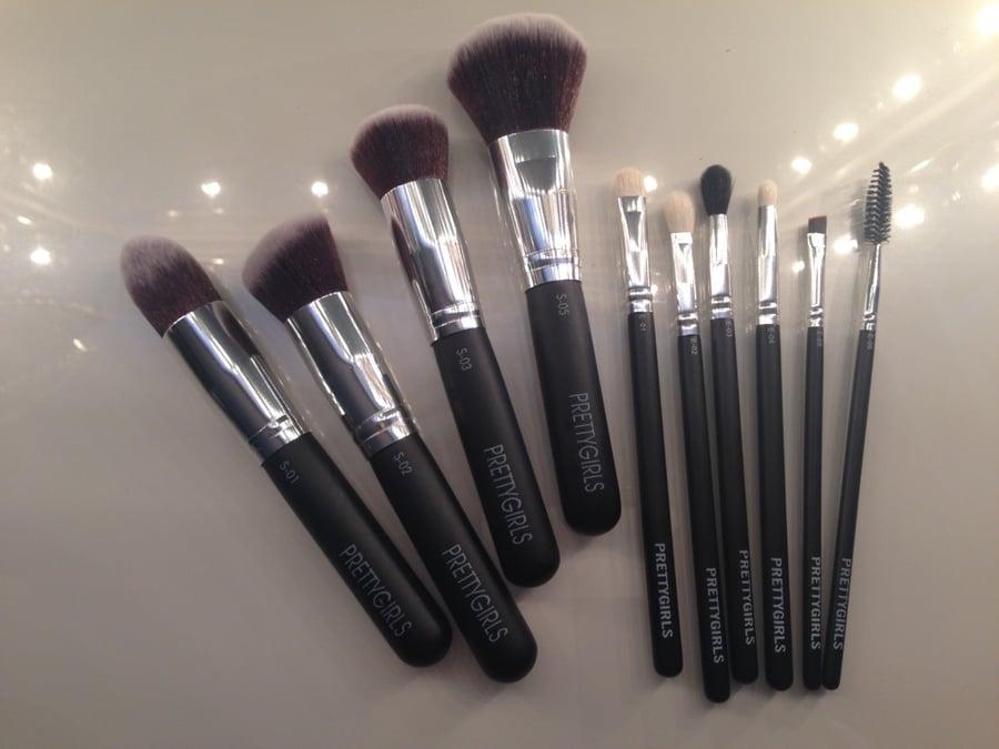 "Image of PRETTYGIRLS 10 Piece - ""Complete Pretty"" Full Makeup Brush Set"