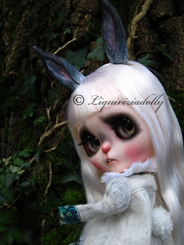 Image of OOAK Takara Custom Blythe Doll by Liquiriziadolly: Date w/ Blythe Auction