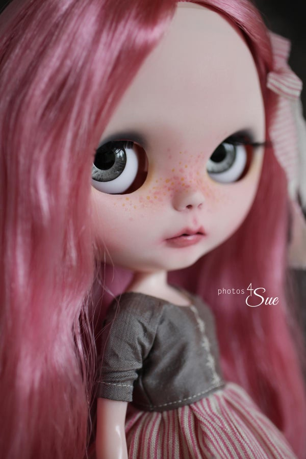 Image of OOAK Takara Custom Blythe Peony by Photos4Sue: Date w/ Blythe Auction
