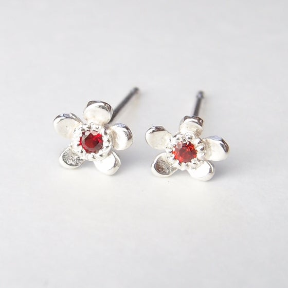 Beeld van Forget-me-not with ruby