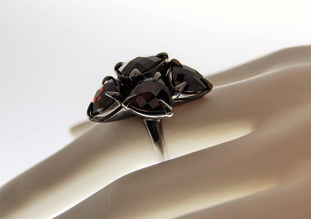 Image of Tratti Amaranto  Ring