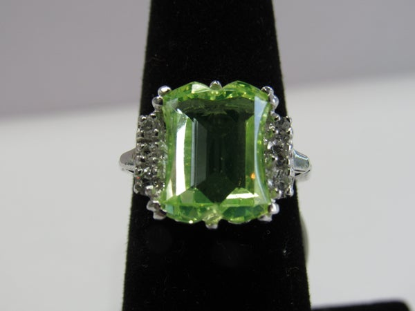 Image of Vintage Deco Peridot Ring