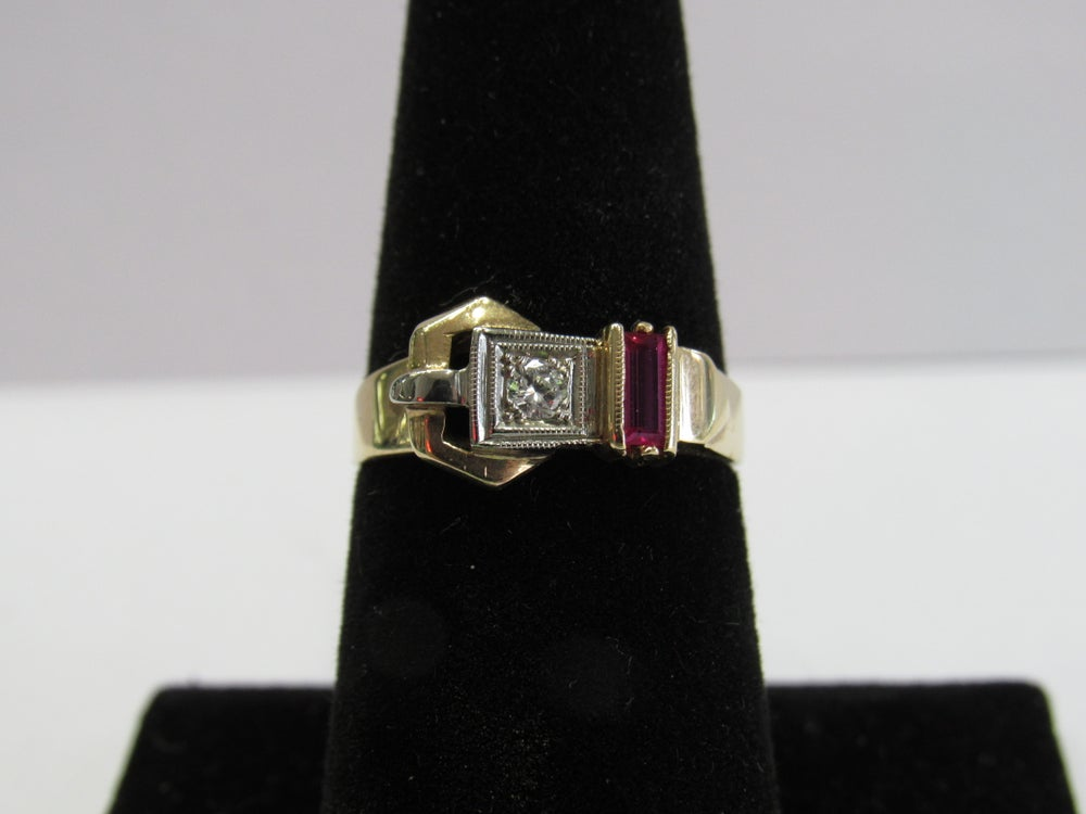Image of Deco yellow gold and ruby buckle Ring