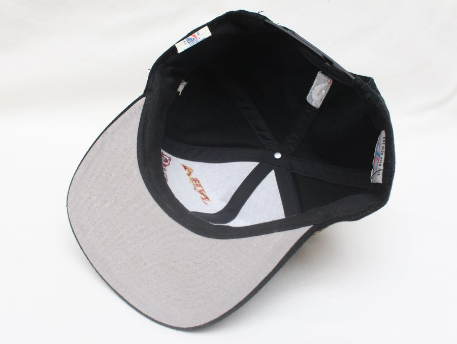 "Image of Rare Logo Athletic ""1997 CHICAGO BULLS NBA CHAMPIONS"" Original Snapback With Original Tags"