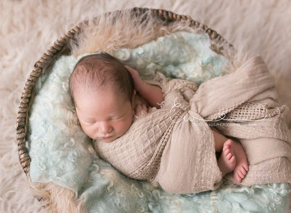 Image of Nest of Curls Blanket - PALE MINT