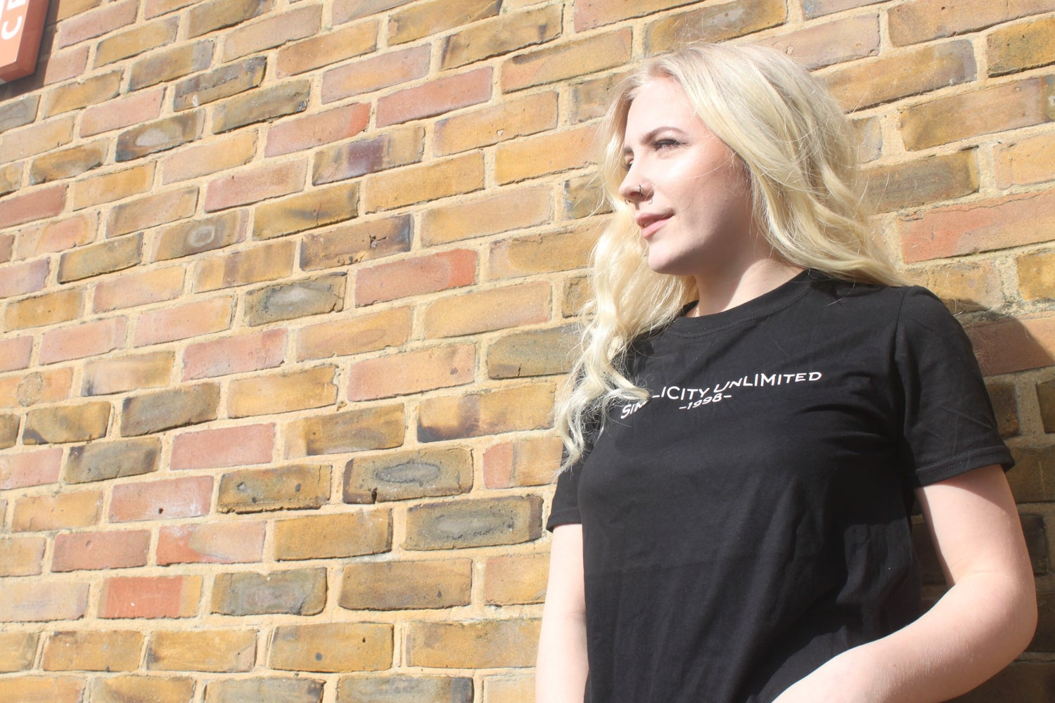 Image of SIMPLICITY UNLIMITED CLASSIC LOGO T-SHIRT // BLACK