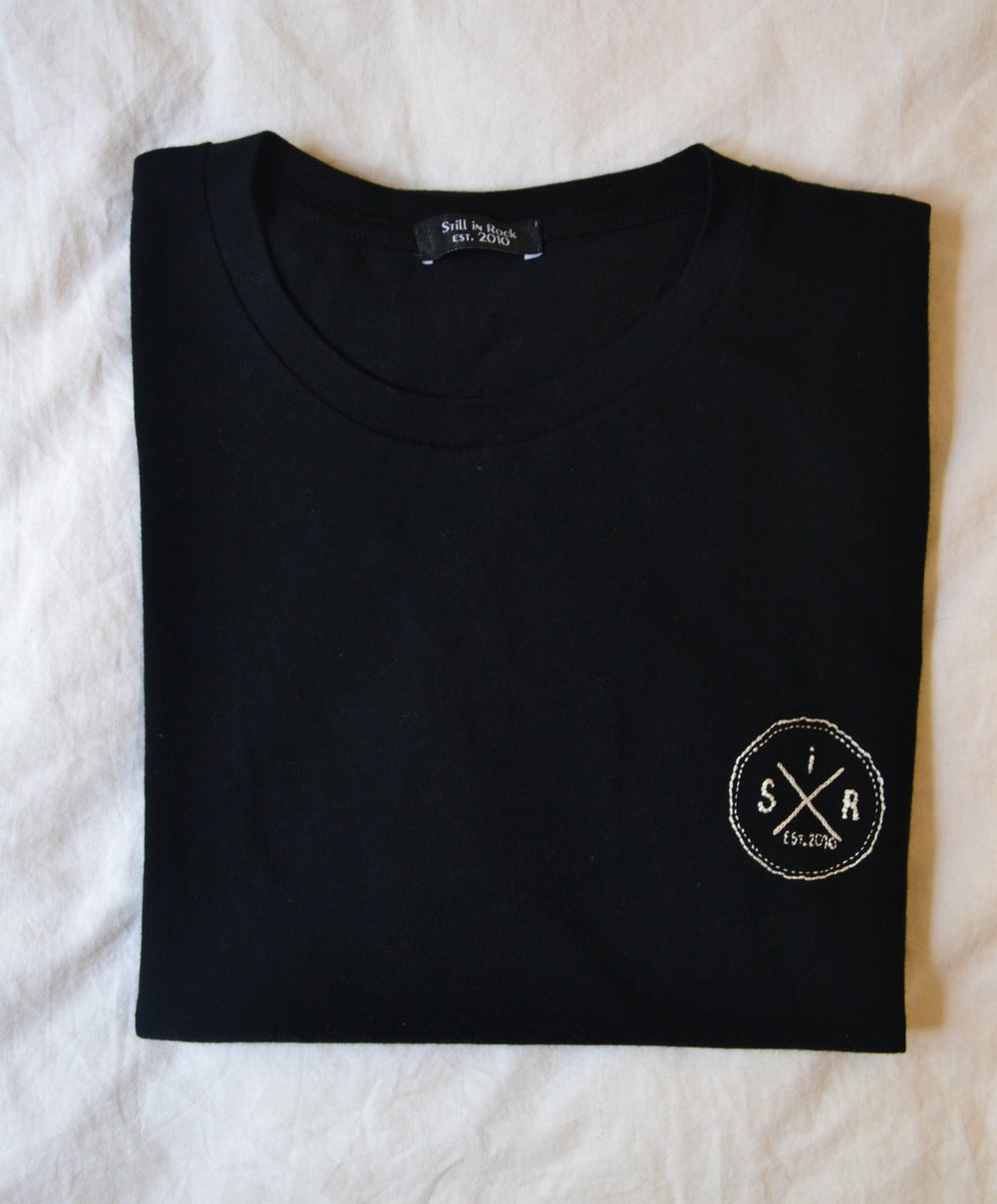 Image of T-shirt brodé à la main (hand embroidered)