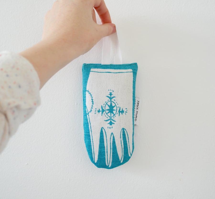 Image of 'Scandi Glove' Lavender Bag