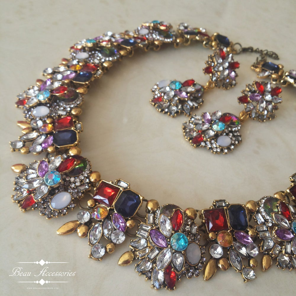 Image of Berry Tones Velencia Necklace and Earrings Set