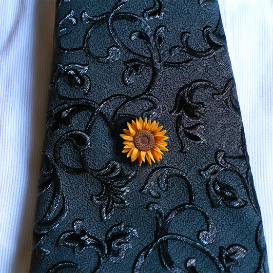 Image of 3D printed  tie pin / lapel pin Van Gogh Sunflower