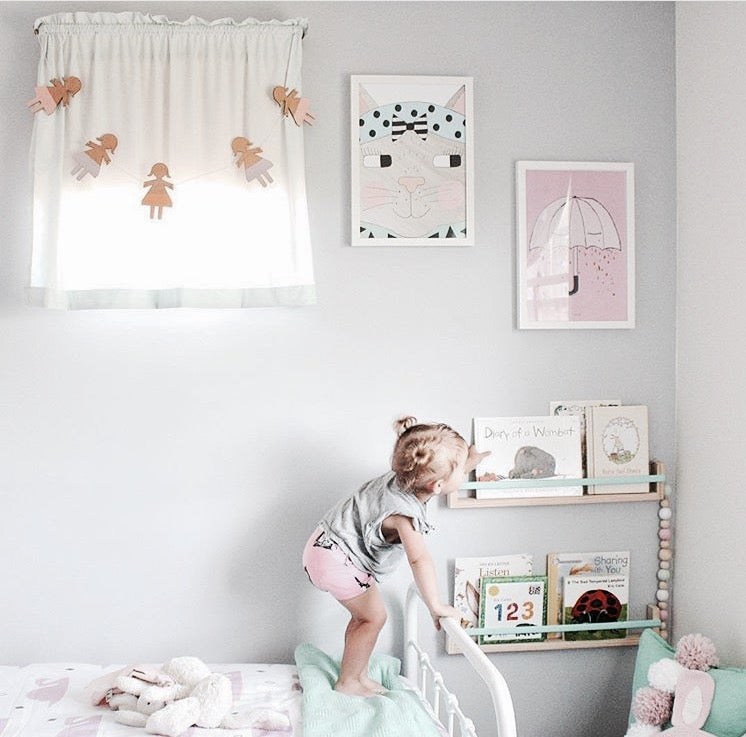 Image of BABY DOLL GARLAND