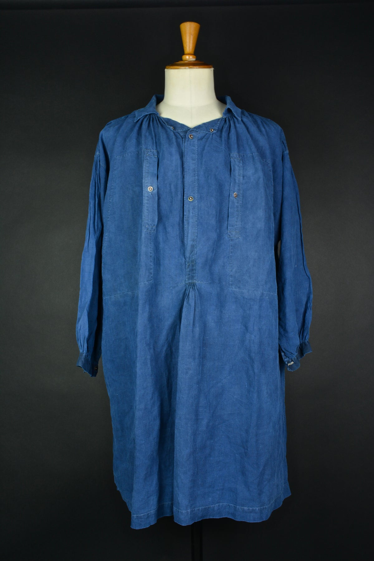 Image of 1900'S FRENCH INDIGO LINEN MAQUIGNON BIAUDE PATCHED フレンチインディゴリネンスモック