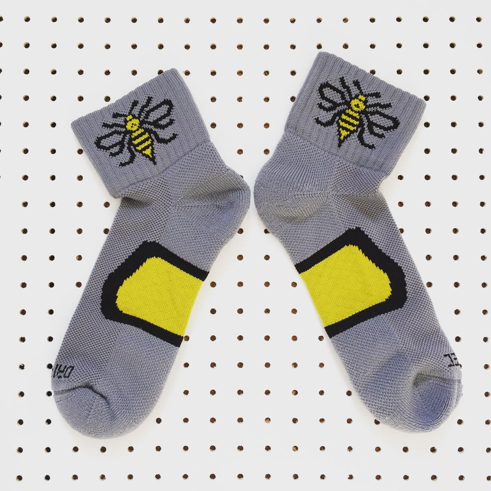 Image of Manchester Bee Dri-Tec® running socks in Grey+Yellow + Black