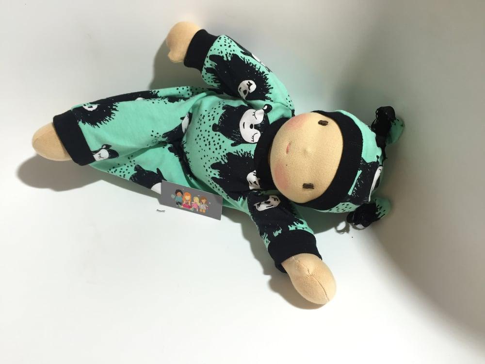 "Image of poupée Série limitée "" Siiri "" vert amande"