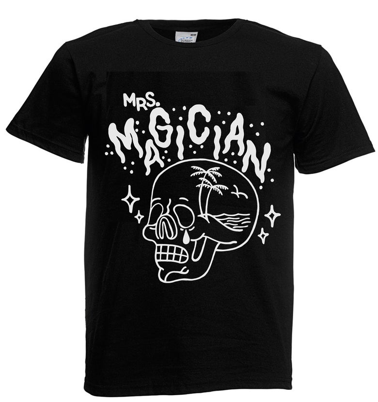 "Image of Mrs. Magician – ""Skull"" black tee"