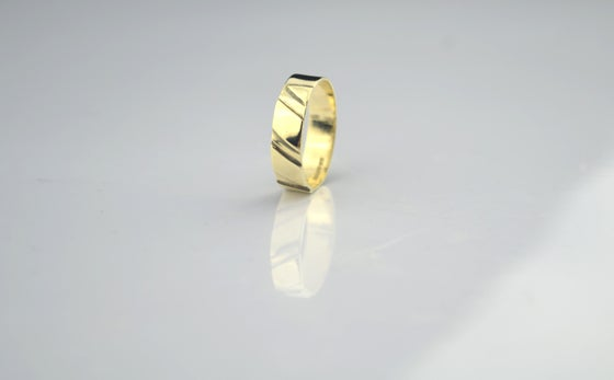 Image of ROSA MIDI RING
