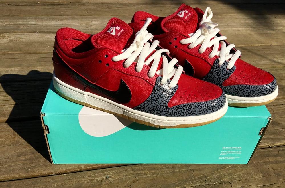 sports shoes eff2d e0f1a Image of Custom Painted Nike SB Dunks