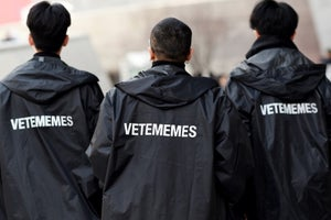 Image of VETEMEMES RAINCOAT