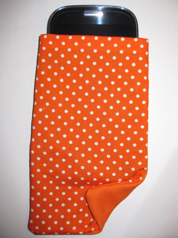 Image of Polka dots on orange