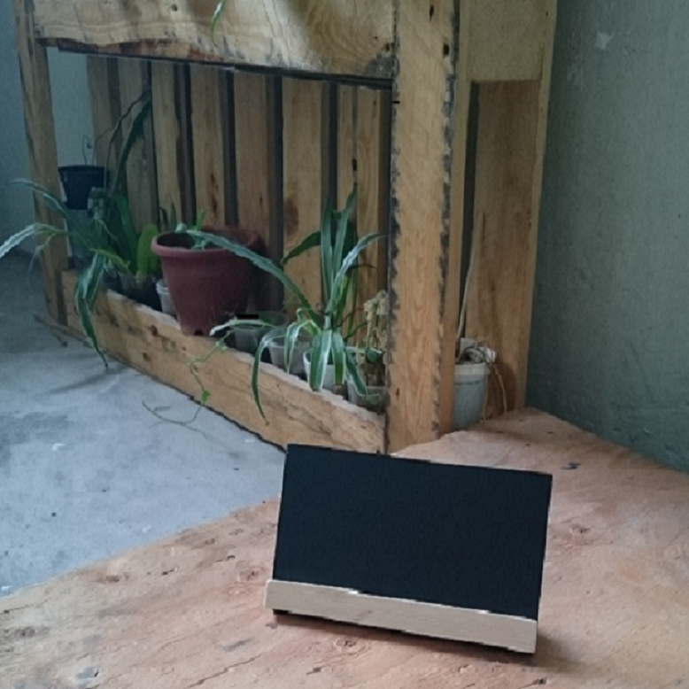 Image of Slanting Chalkboard with Pinewood Base (2 pieces)